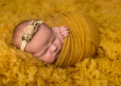 Newborn-Baby-Photography-Yellow-Blanket
